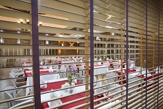 Woodslat blinds commercial