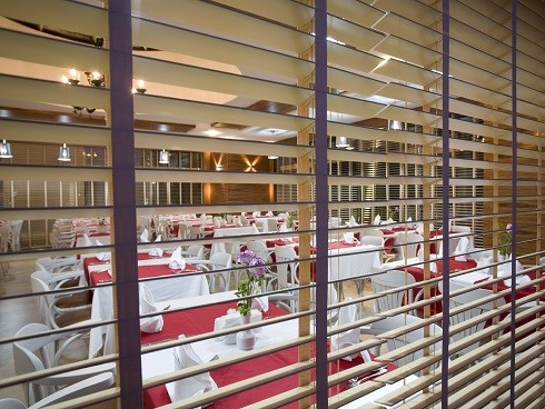 Restaurant Venetian Blinds